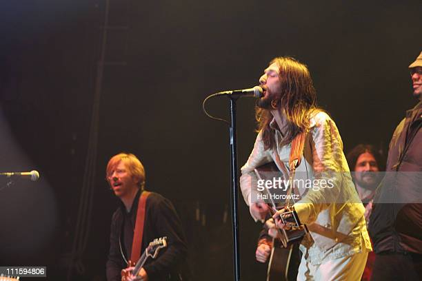 Trey Anastasio Jams with The Black Crowes at Madison Square Garden on New Year's Eve 2006