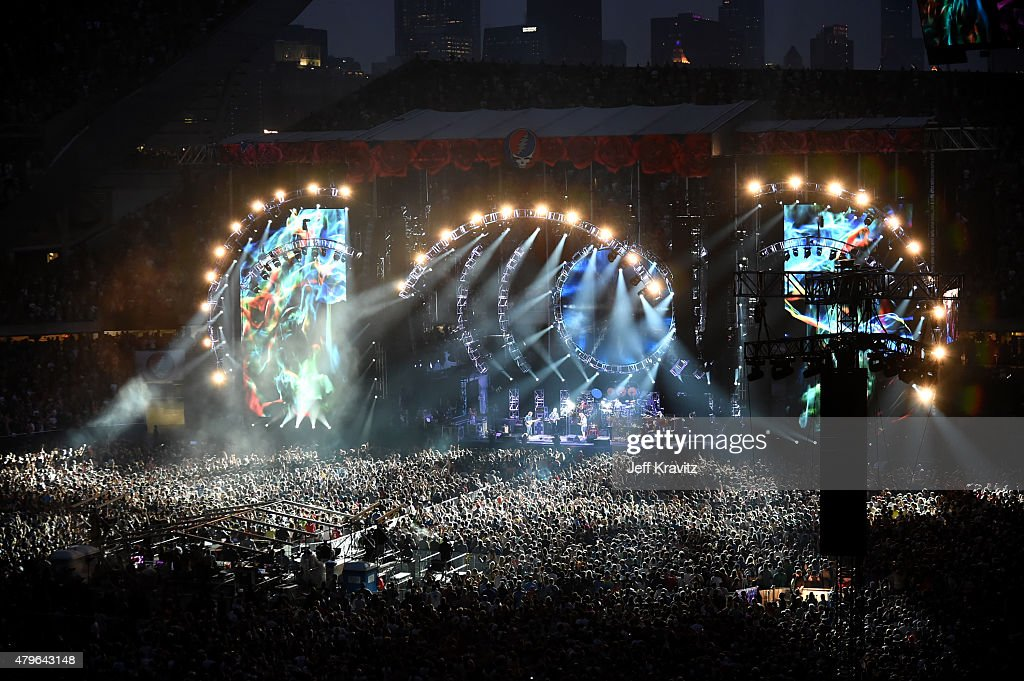 Man critically hurt in fall at Grateful Dead concert in