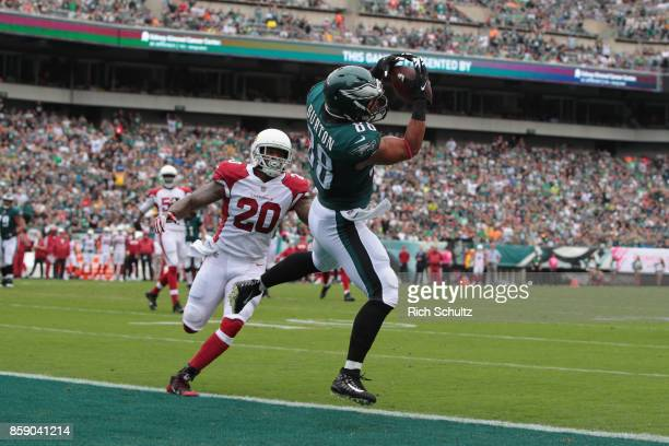 Trey Burton of the Philadelphia Eagles scores a touchdown against Deone Bucannon of the Arizona Cardinals during the first quarter at Lincoln...