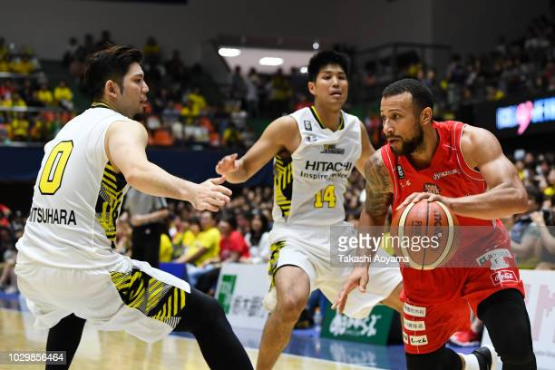 Trey Jones of Chiba Jets drives to the basket during the B.League Early Cup Kanto 3rd Place Game between Chiba Jets and Sun Rockers Shibuya at Brex...