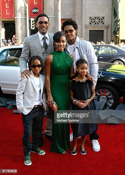 Trey Smith actor Will Smith actor Jaden Smith actress Willow Smith and actress Jada Pinkett Smith arrive to the Premiere of Sony Pictures' 'Hancock'...