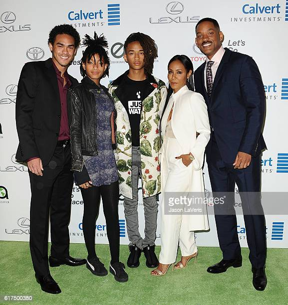 Trey Smith Willow Smith Jaden Smith Jada Pinkett Smith and Will Smith attend the 26th annual EMA Awards at Warner Bros Studios on October 22 2016 in...
