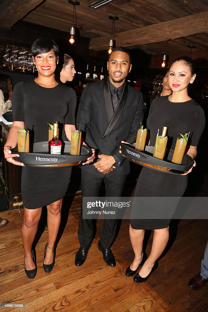 Trey Songz (C) attends Trey Songz 30th Birthday Celebration at The Lion on December 1, 2014 in New York City.