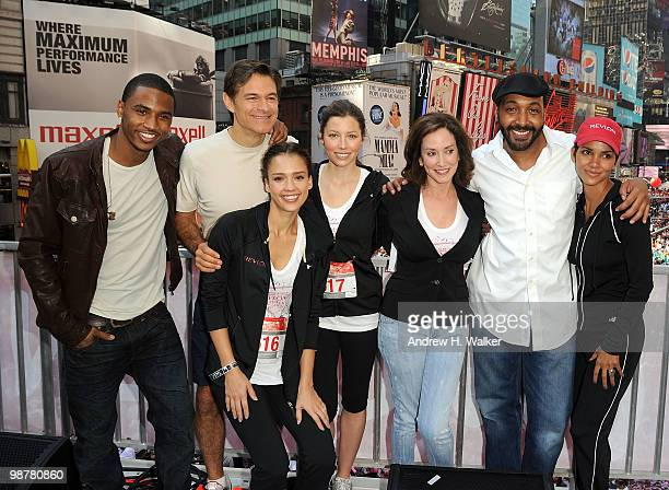 Trey Songz Dr Oz Jessica Alba Jessica Biel Lilly Tartikoff Jesse Martin and Halle Berry attend the 13th Annual EntertainmentIindustry Foundation...
