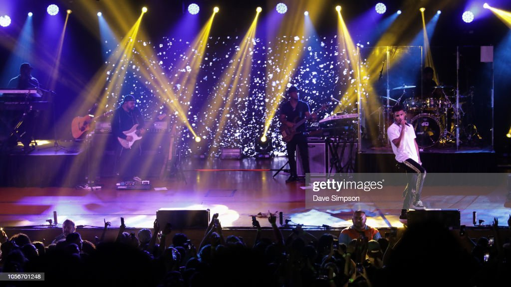 23f3f73b078 Trey Songz performs on stage at the Logan Campbell Centre on ...