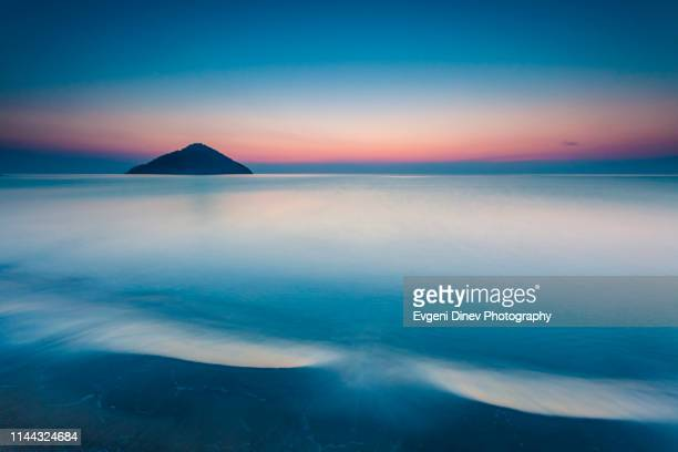 triangle island - aegean sea stock pictures, royalty-free photos & images
