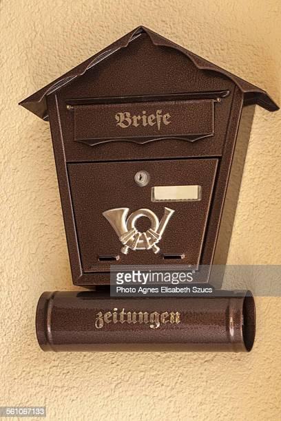 Triangle mailbox