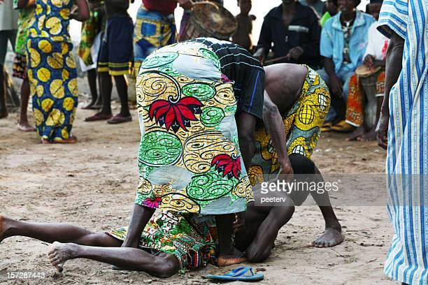 tribal-zeremonie - feierliche veranstaltung stock-fotos und bilder