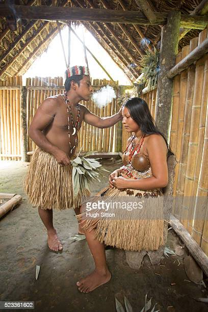 tribal people from amazon rainforest, ecuador - hugh sitton stock pictures, royalty-free photos & images