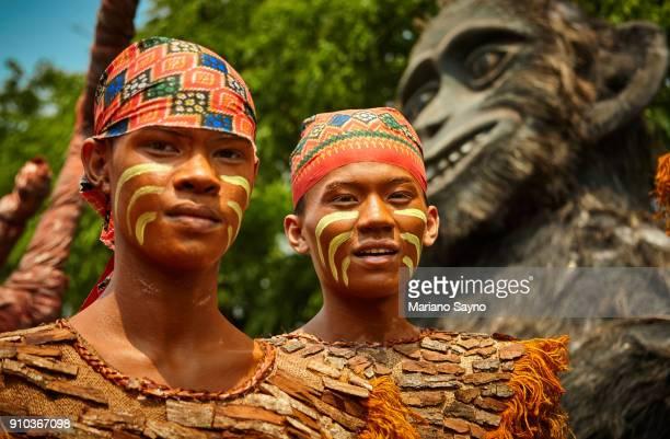 tribesman at festival - região da capital - fotografias e filmes do acervo