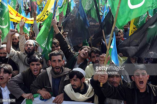 Tribesmen and activists of Pakistani Islamist party JamaatiIslami shout during a demonstration in Islamabad on January 23 2009 Around 1500 protesters...