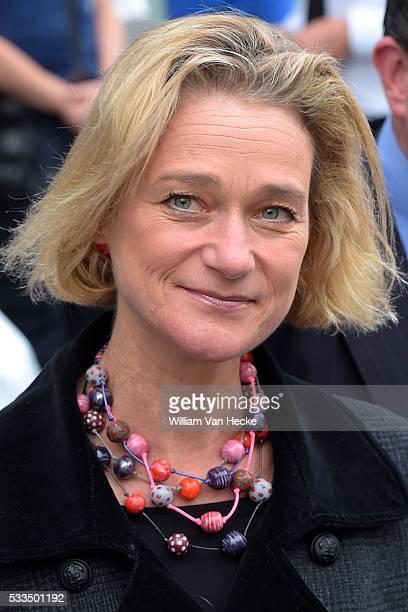 Suite des débats dans l'affaire qui oppose Delphine Boël au roi Albert II Burgerlijke rechtbank Brussel voortzetting van de zaak van de door Delphine...