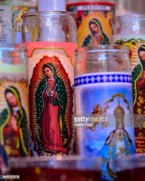a tribute to our lady of guadalupe - virgen de guadalupe fotografías e imágenes de stock