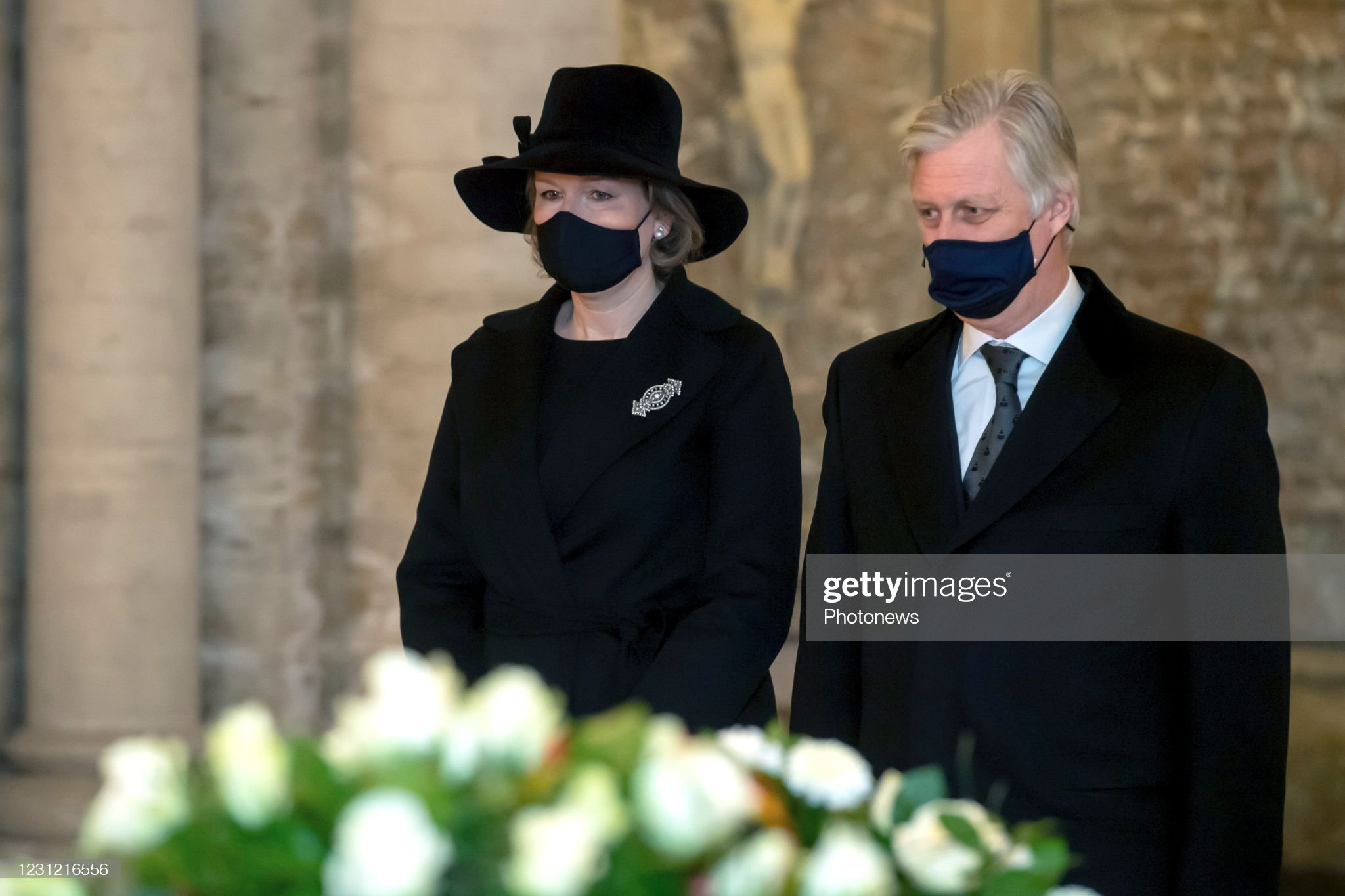 tribute-to-the-deceased-members-of-the-royal-family-at-the-royal-the-picture-id1231216556