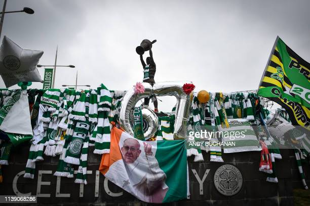 Tributes to Celtic football legend Billy McNeill who died on April 23 are seen outside Celtic Park Glasgow on April 24 2019 Former Celtic captain...