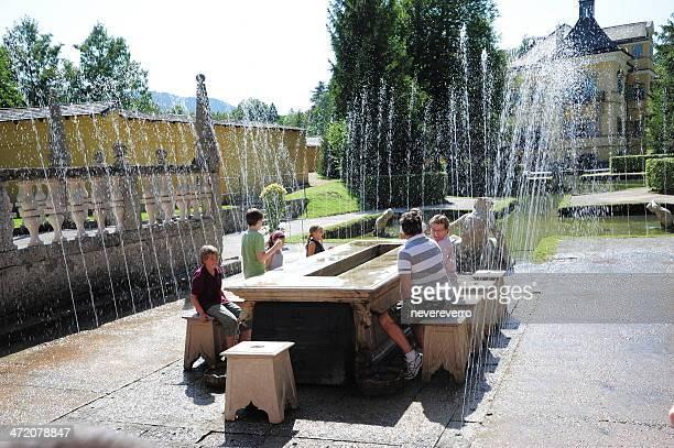 トリック噴水でヘルブルン宮殿、ザルツブルク