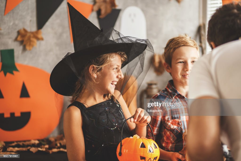 Trick or treaters : Stock Photo