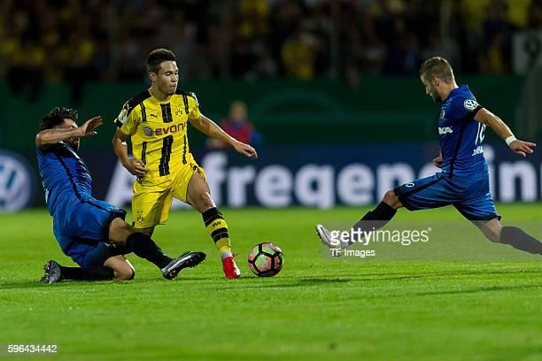 Trier Germany DFBPokal 1 Runde SV Eintracht Tier 05 BV Borussia Dortmund 03 Muhamed Alawie gegen Raphael Guerreiro Patrick Lienhard