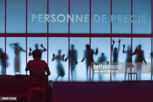 « Trilogie du revoir » une pièce de Botho Strauss avec Lucas Bonnifait Valentin Boraud Anthony Boullonnois Guillaume Compiano Sylvain...