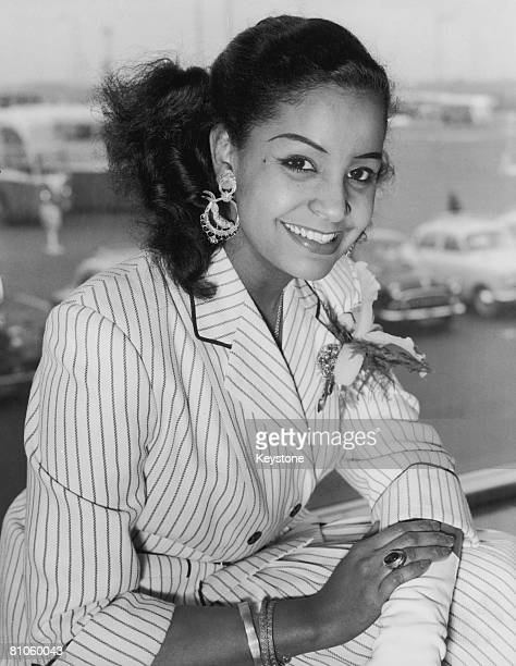 Trinidadborn singer Mona Baptiste arrives at London Airport from Belgium 28th April 1956 She is in the country to appear on BBC television