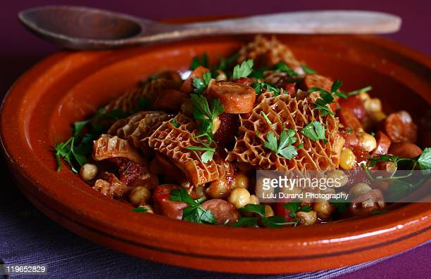 tripe with chickpeas - tripe stock pictures, royalty-free photos & images