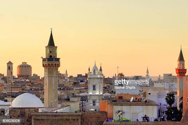 tripoli old city - libye photos et images de collection