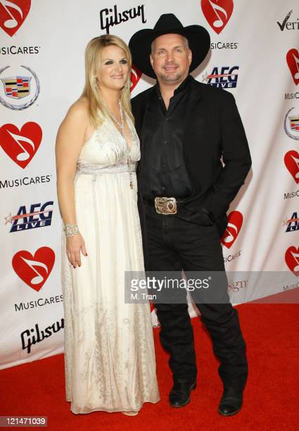 Trisha Yearwood and Garth Brooks during 2007 MusiCares Person Of The Year Honoring Don Henley Arrivals at Los Angeles Convention Center in Los...