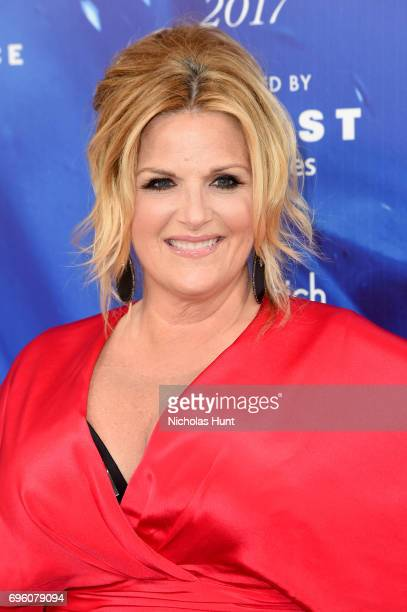 Trisha Yearwood attends the 2017 Fragrance Foundation Awards Presented By Hearst Magazines at Alice Tully Hall on June 14 2017 in New York City