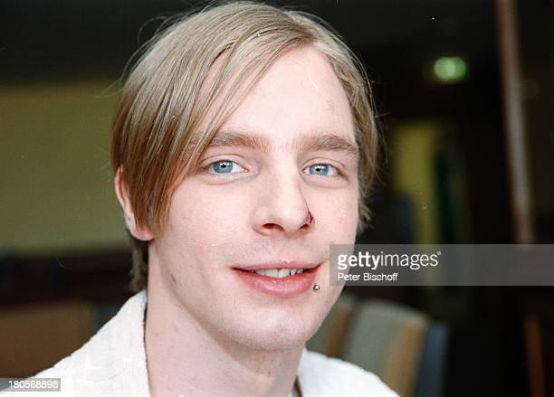 """Tristan Boettcher, Portrait, Schauspieler,;geb.: 15. Januar 1982, Sternzeichen:;Steinbock, ARD/MDR-Serie """"In aller;Freundschaft"""", Wunde an der Nase,..."""