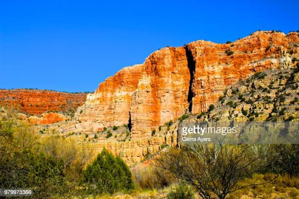 tri-state junction of arizona, utah and nevada mountains offering beautiful views of the slot cantons - beaver dam stock pictures, royalty-free photos & images