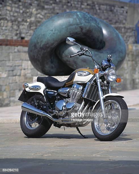 Triumph Adventurer 2000