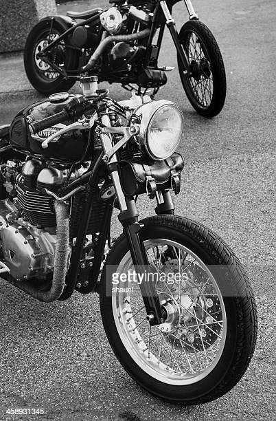 triumph motorcycle - triumph motorcycle stock pictures, royalty-free photos & images