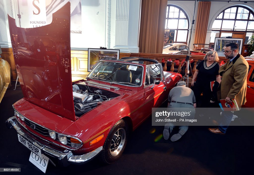 Vintage cars auction Pictures | Getty Images