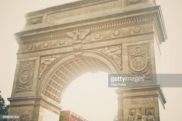 triumphal arch in the washington square park. - heat haze stock pictures, royalty-free photos & images