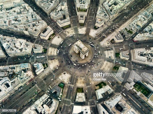 arch de triomphe - aerial view stock pictures, royalty-free photos & images