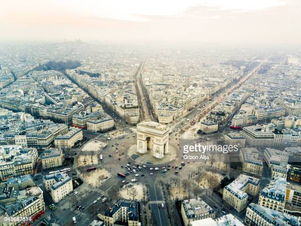 arch de triomphe - place charles de gaulle paris stock photos and pictures