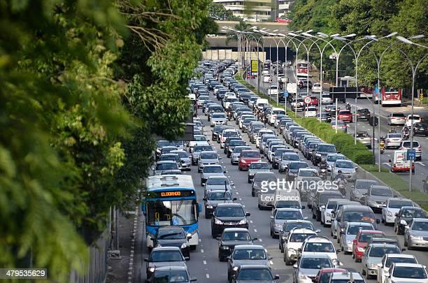CONTENT] Trânsito congestionado na avenida 23 de Maio em São Paulo Brasil   Congested transit on 23 de Maio avenue in São Paulo Brazil   Congestión...