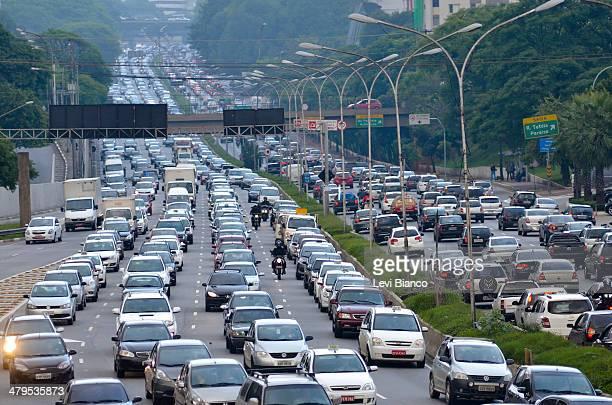 CONTENT] Trânsito congestionado na avenida 23 de Maio em São Paulo Brasil | Congested transit on 23 de Maio avenue in São Paulo Brazil | Congestión...