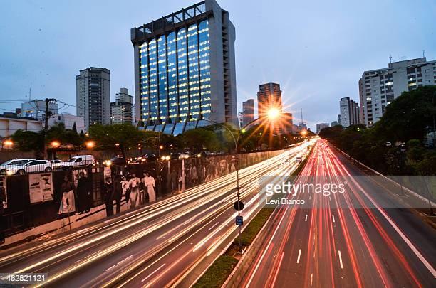 CONTENT] Trânsito congestionado na avenida 23 de Maio em São Paulo   Congested transit on 23 de Maio avenue in São Paulo   Carro Carros Ônibus Moto...