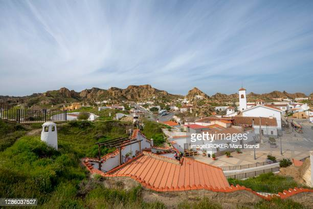 troglodytos cave district, cave dwellings in rocks, guadix, granada province, spain - granada provincia de granada stock pictures, royalty-free photos & images