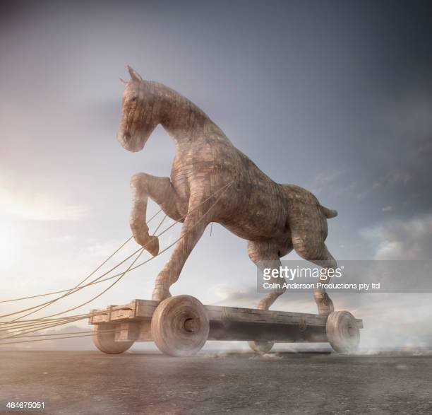 trojan horse on cart - mitologia greca foto e immagini stock
