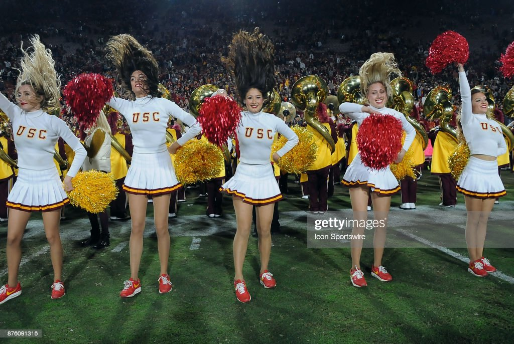 COLLEGE FOOTBALL: NOV 18 UCLA at USC : News Photo