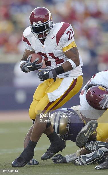 Trojans LenDale White during the game between the USC Trojans and the University of Washington Huskies at Husky Stadium in Seattle WA on Oct 22 2005...
