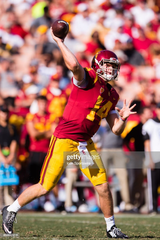 USC Trojans quarterback Sam Darnold (14) passes the ball during the game between the Oregon State Beavers and the USC Trojans on October 07, 2017, at Los Angeles Memorial Coliseum in Los Angeles, CA.