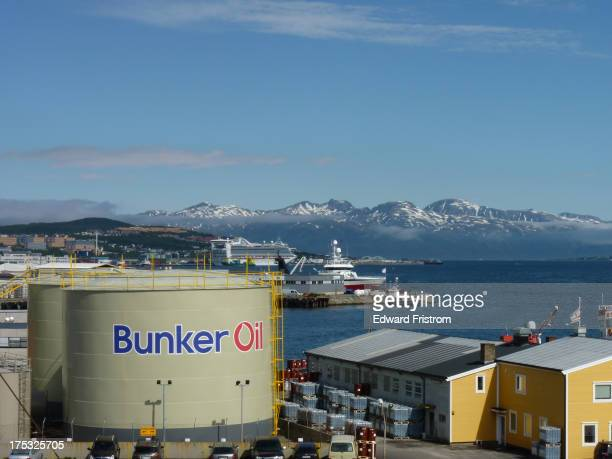 CONTENT] Tromsø is a city on the western coast of Norway Much of its prosperity and Norway's prosperity in general owes to the country's oil exports...