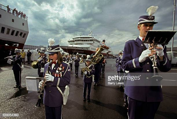 Trondheim day of music with the Brundalen and Charlottenlund Skole Korps brass band beside the Coastal Express For more than a century the coastal...