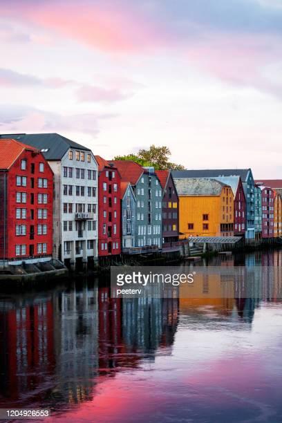 トロンハイム、ノルウェー - 旧市街橋からの眺め - トロンハイム ストックフォトと画像