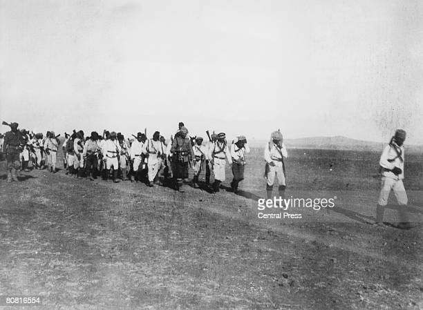 Troops of the Ottoman Empire on their way to Kut in Iraq during the Mesopotamian Campaign of World War I, September 1915. The Turkish troops in Kut...