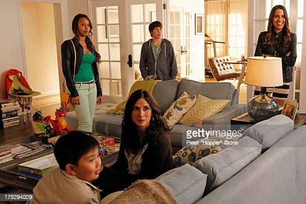 WIFE Trophy Wife stars Malin Akerman as Kate Bradley Whitford as Pete Marcia Gay Harden as Diane Michaela Watkins as Jackie Natalie Morales as Meg...