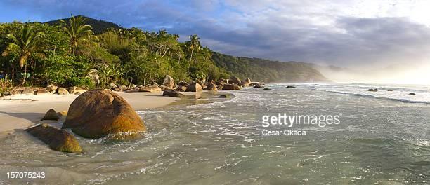 panorama de praia tropical - angra dos reis imagens e fotografias de stock